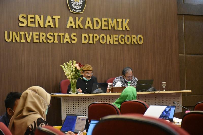 """Senat Akademik Undip Gelar Presentasi Calon Gubes Lagi """" Pacu Dekan- Dekan Di Lingkungan Universitas Untuk Jadi Guru Besar"""""""